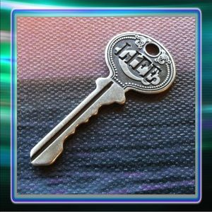 Jewelry - Key to Life Pendant   (+2)